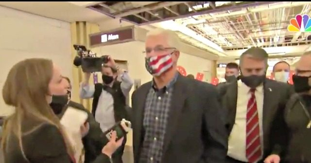 Video–Crowd Heckles Michigan State Senate Leader in D.C. Airport: 'Certify the Results!' 1