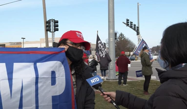 Illinois Voter: 'You Don't Install a President, You Elect a President' 1