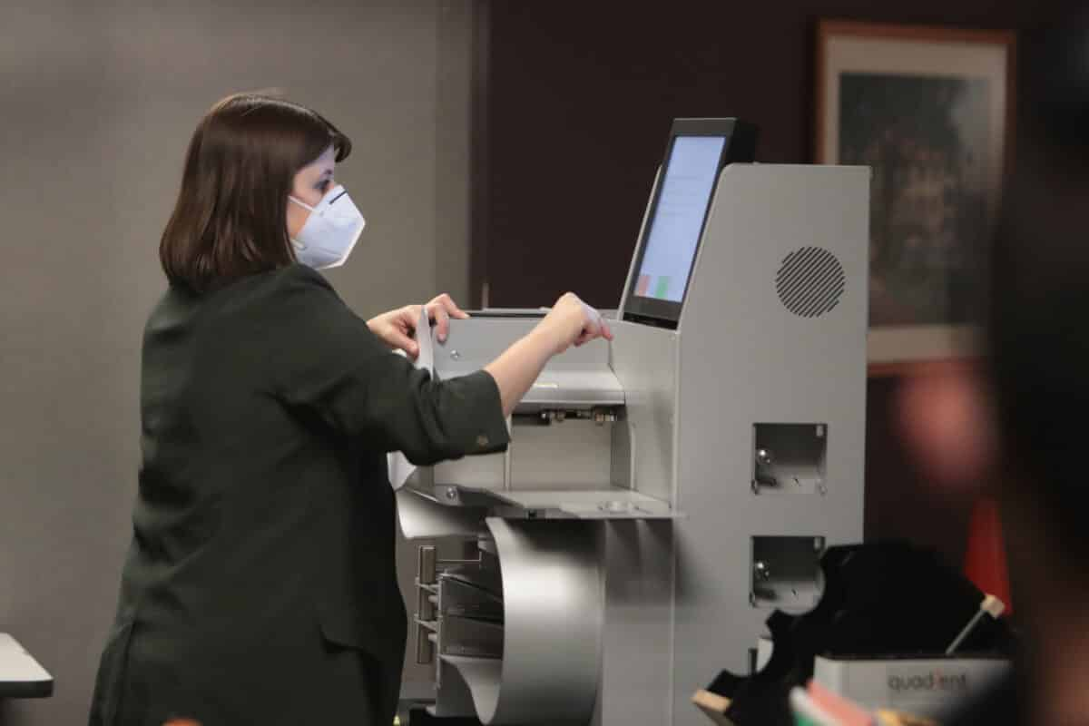 Wisconsin Officials Find Uncounted Ballots During Recount 1