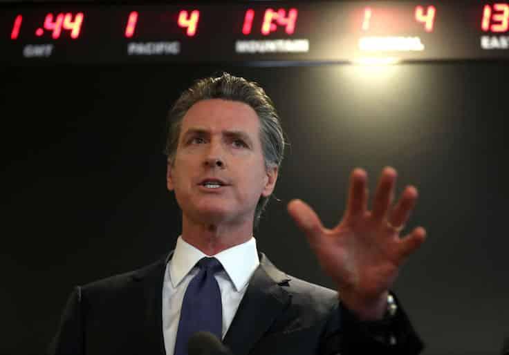 California Restaurants to Sue Governor Over Lockdown Order 1