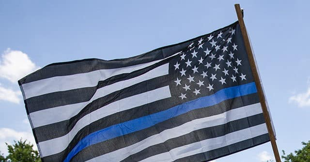 Community, Sheriff Support Thin Blue Line Flag After California City Council Calls It Racist 1