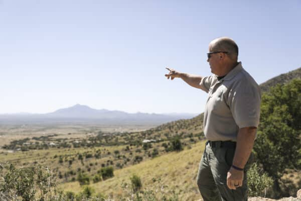 Arizona Sheriff Sees Fivefold Increase in Illegal Border Crossings 1