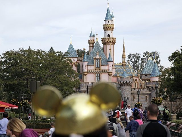 Disneyland, Other California Theme Parks May Reopen at Limited Capacity in April 1