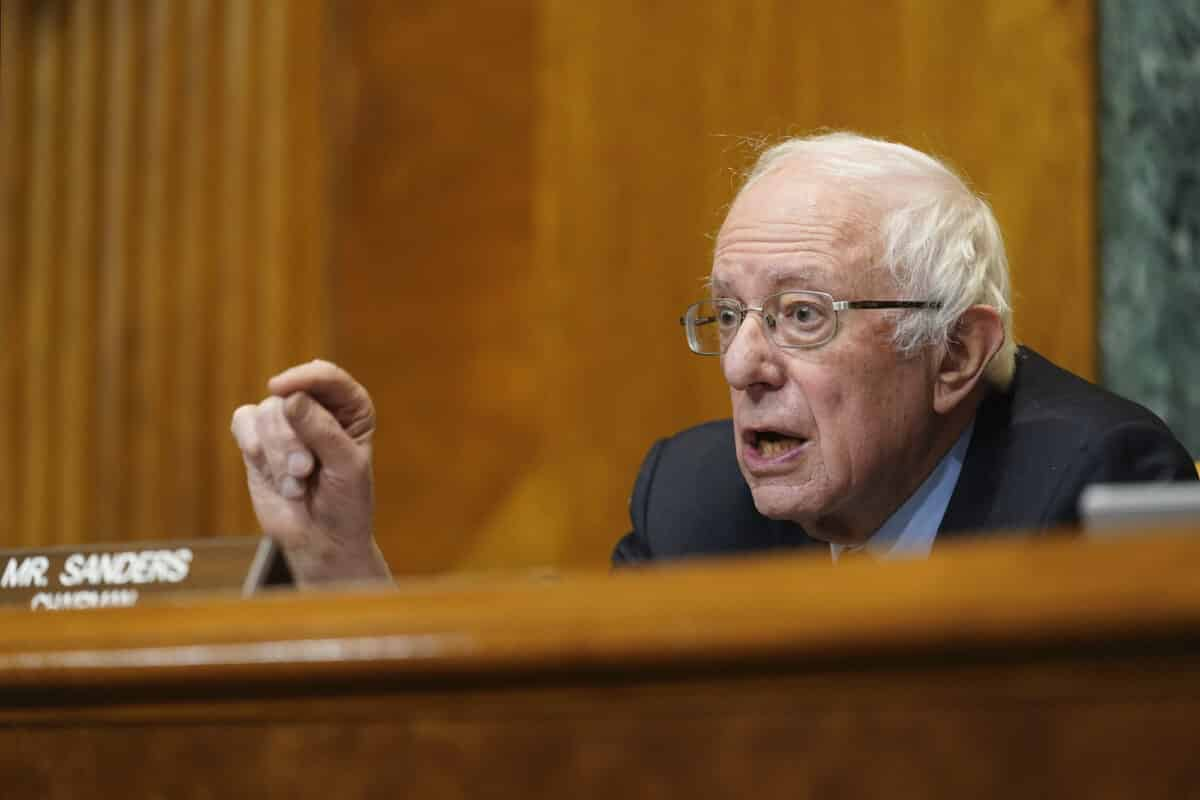 Sanders Plans to Defy Parliamentarian and Force Vote on $15 Minimum Wage 1