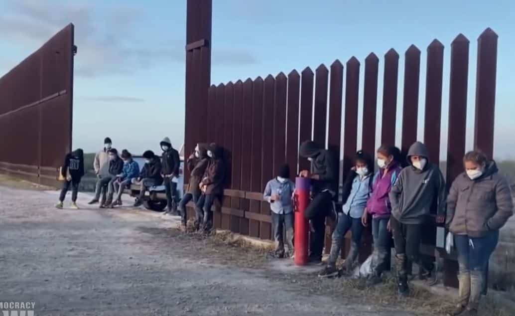 """Democrats Vote to Give """"Dreamer"""" Amnesty to Millions of Illegals – 9 Republicans Vote with Democrats 1"""