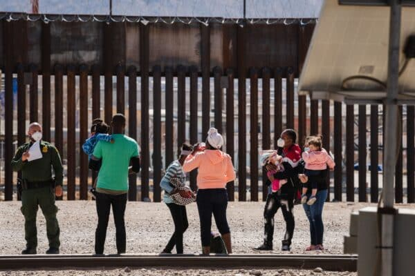 Arizona Governor Says Vice President Kamala Harris 'Worst' Choice to Mitigate Southern Border Crisis 1