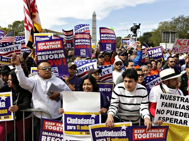 Nine GOP Members Vote for Democrats' DACA Amnesty 1