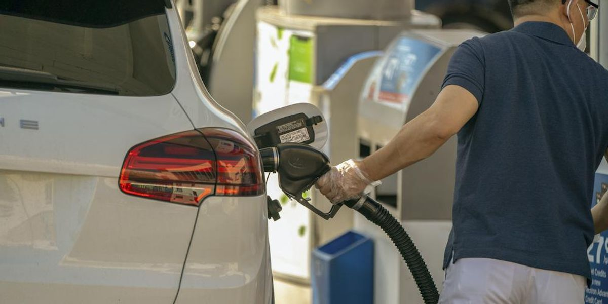 California city council votes unanimously to outlaw new gas stations — and new pumps at existing stations. Expect more bans, Axios warns. 1