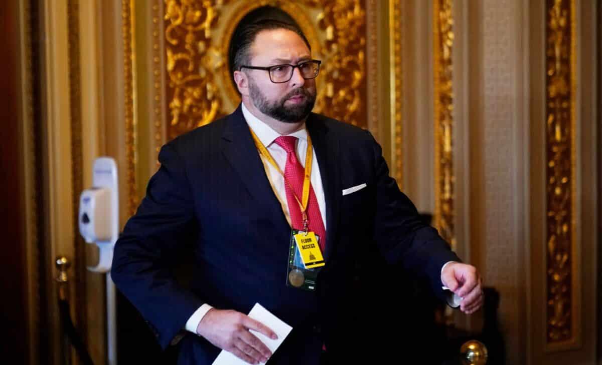 Trump Eyeing 'Upgrade' Over Georgia's Gov. Kemp, Adviser Says 1