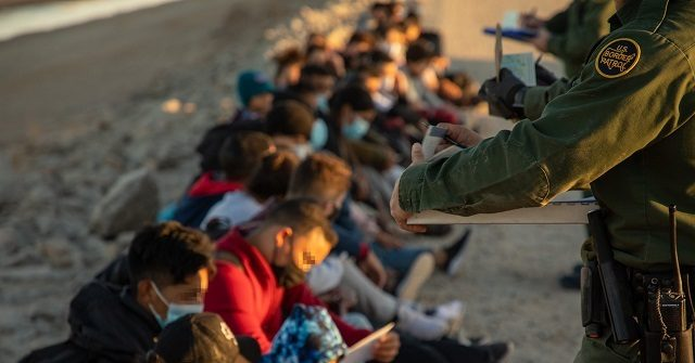 Fake Migrant Family Units Found in Arizona Desert near Border 1