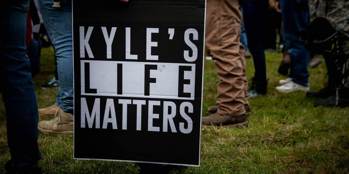 Virginia cop loses job after chief finds out he donated $25 to Kyle Rittenhouse legal fund 1