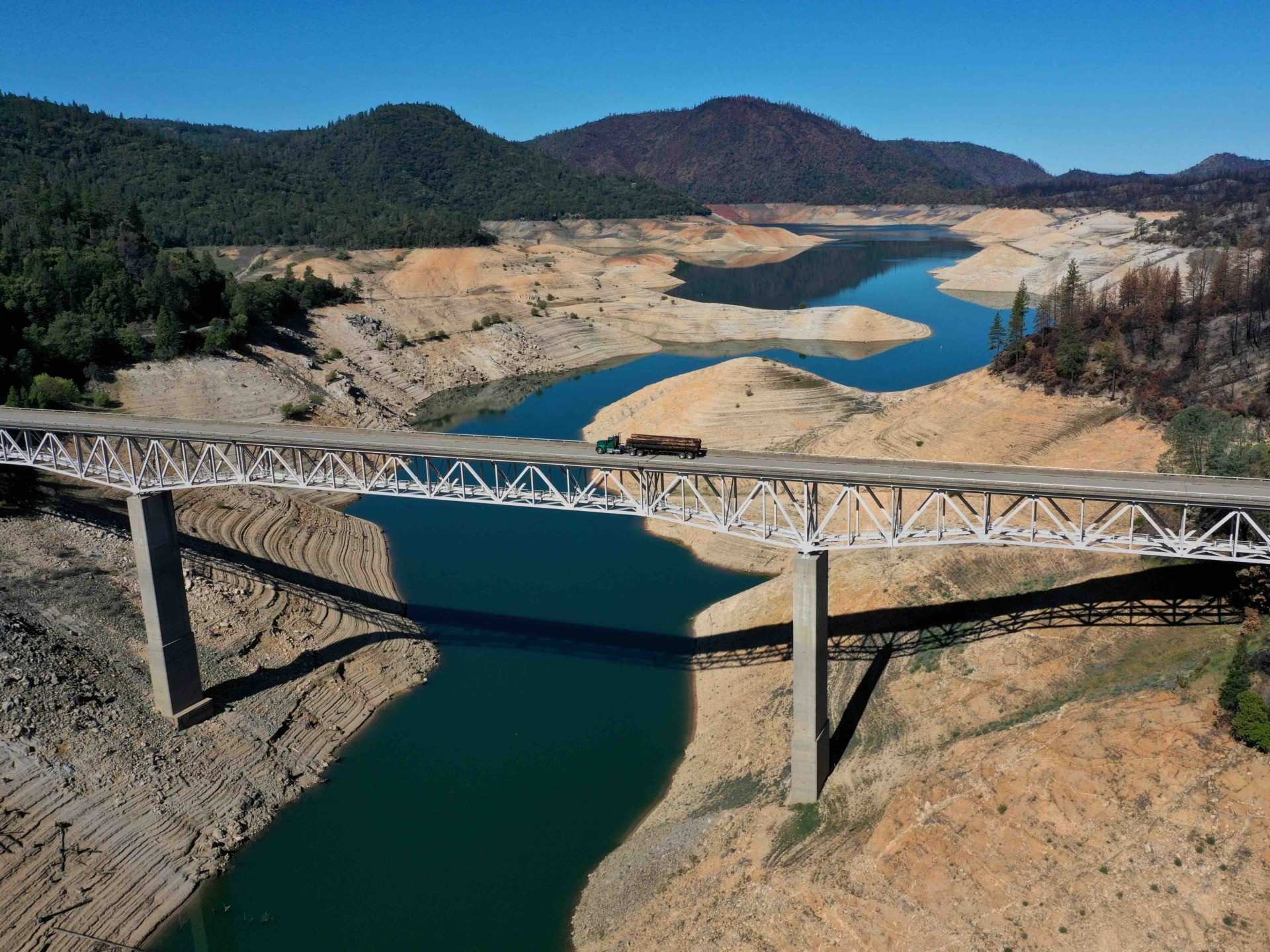 PHOTOS: Drought Returns to California as Lake Oroville Drops Dramatically 1