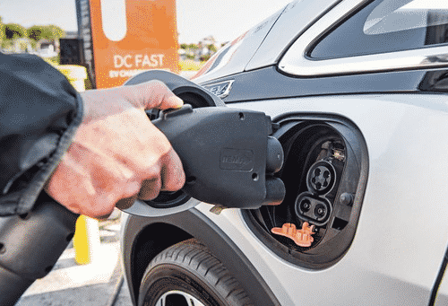 """1 In 5 EV Owners In California Are Switching Back To Gas Because Charging Is A """"Hassle"""" 1"""