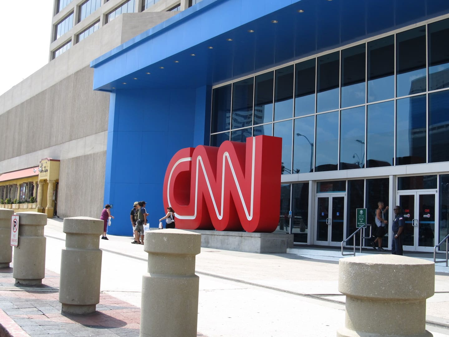 CNN caught harassing election workers during Arizona audit 1