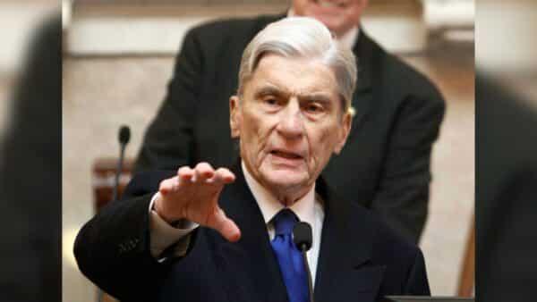 Former Virginia Republican Senator John Warner Dies at 94 1