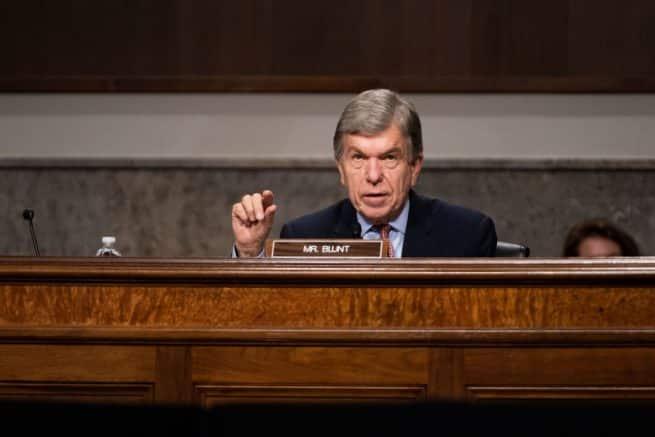 Sen. Roy Blunt urges Pres. Trump to 'get focused' on midterm elections 1