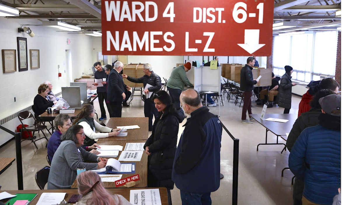 Vermont Gov. Signs Election Bill Mandating Widespread Mail-In Ballots 1