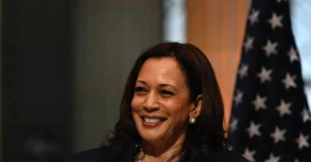 Watch--Journalist in Mexico Tells VP Kamala Harris: 'It's an Honor ... I Voted for You' 1