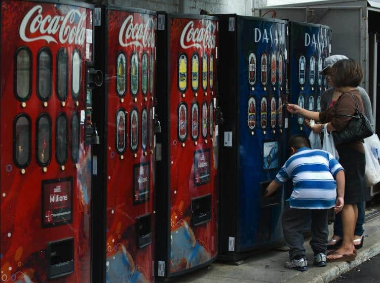 County Votes to Ban Coke Machines After CEO's Criticism of Georgia Election Law 1