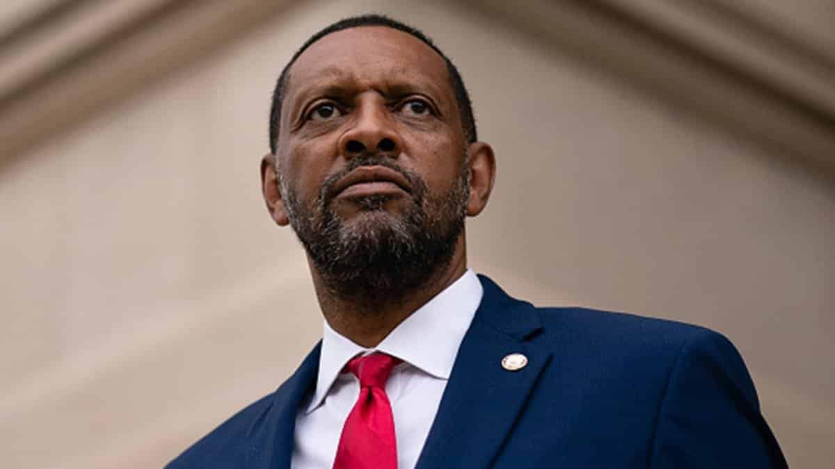 Vernon Jones Calls for Resignation of Georgia Governor Brian Kemp for Certifying 'Fraudulent Election' 1