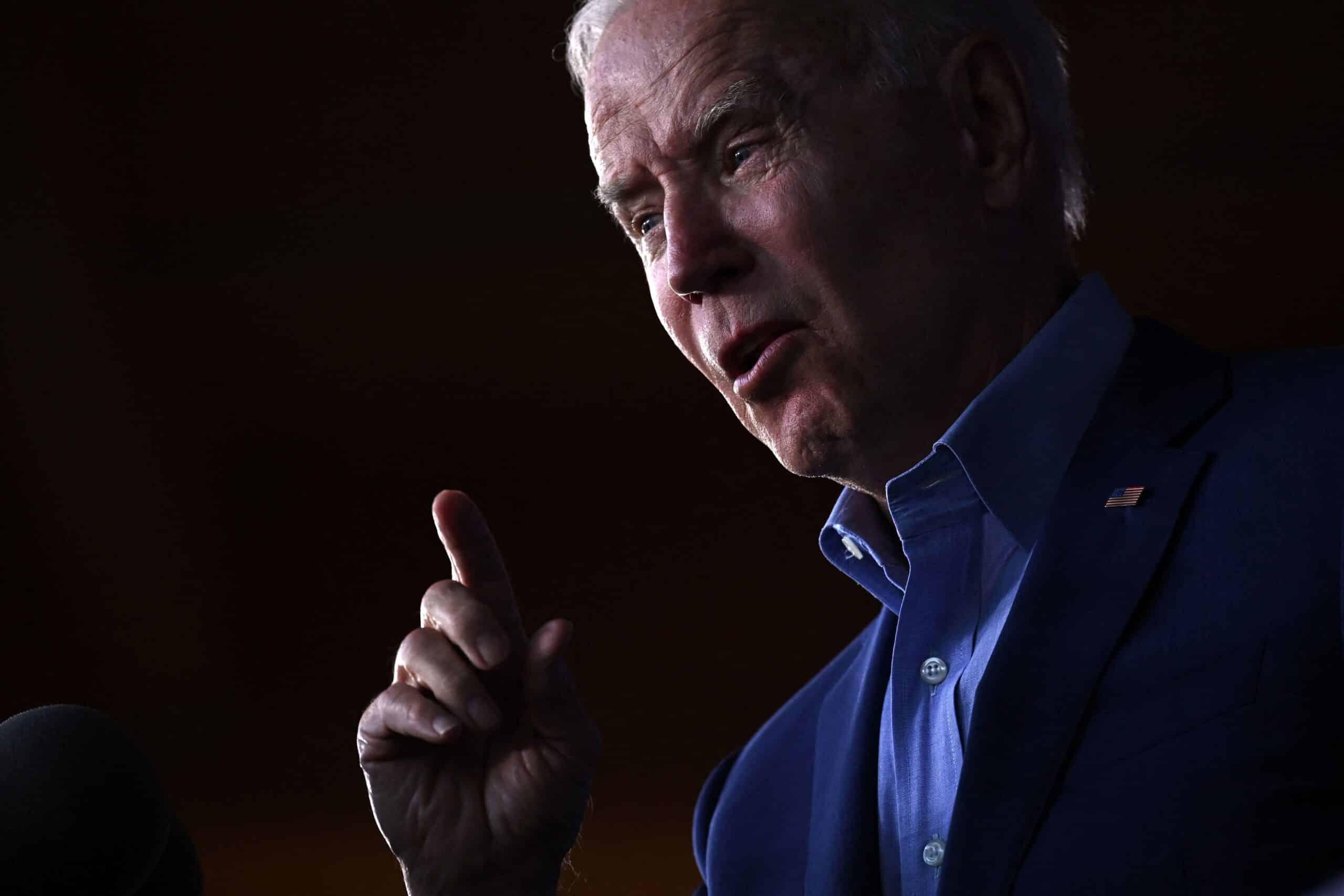 Poll: Biden losing support from voters in 85 battleground districts 1