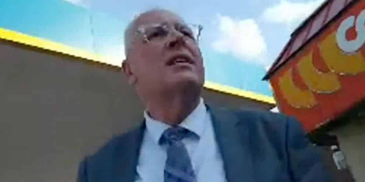 Pennsylvania coroner resigns after he tries to meet up with a '15-year-old boy' for sex: report 1