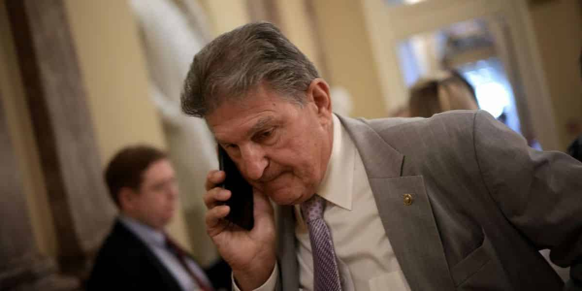 Manchin says no to filibuster reform, yes to Schumer's big budget vote 1