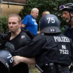 One Dead, 600 Arrested at Banned Anti-Lockdown Demo in Germany 3